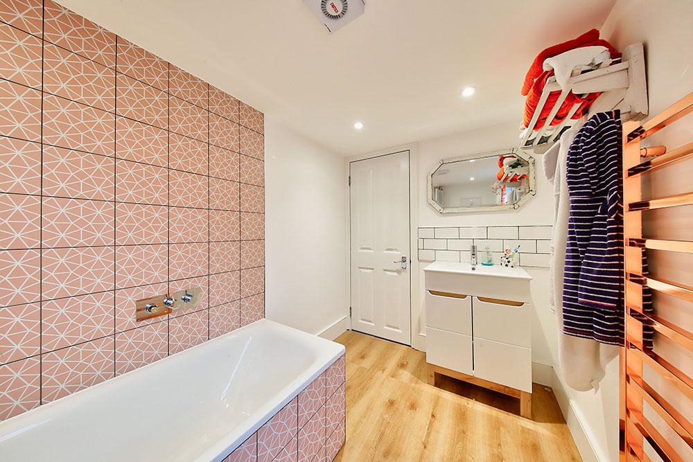 Gipsy Road SE27 Bathroom Side